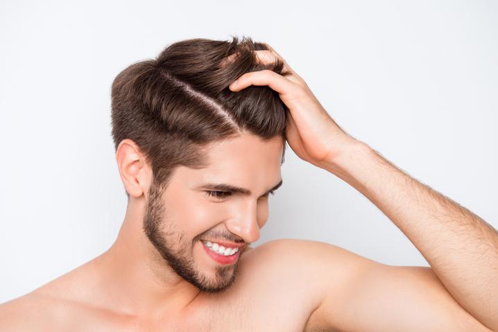 Erkeklerde saç dökülmesi nedenleri nelerdir?