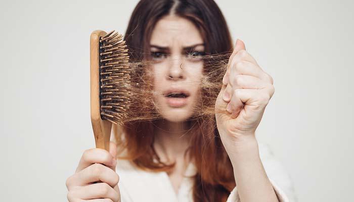 saç dökülmesi sebepleri nelerdir